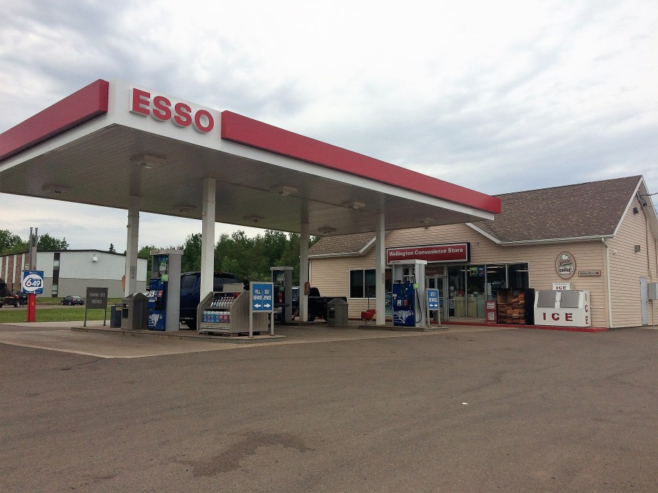 Wellington Convenience Store and Esso Gas Bar in 2017